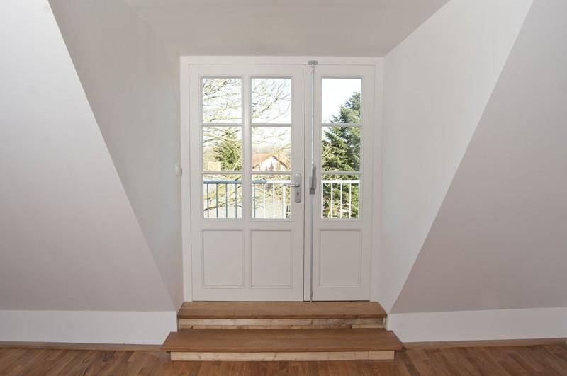 eingebaute verglaste Wohneingangstür