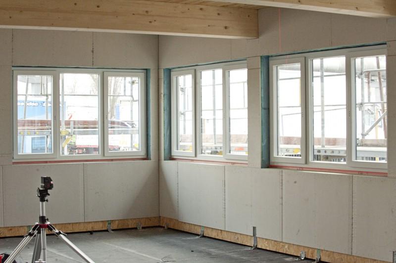 Fenstereinbau bei einem Neubauprojekt in Kiel