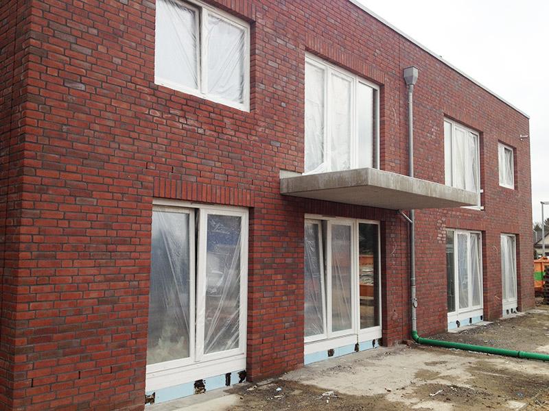 eingebaute Fenster und Türen