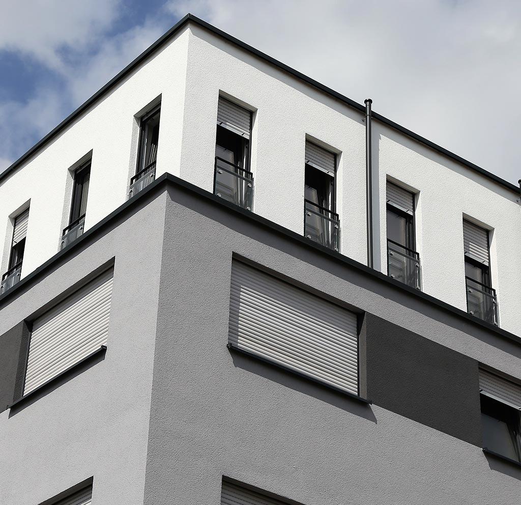 Ansicht einer Hausfassade - Mit Rollläden von Montagebetrieb Haß bei Kiel
