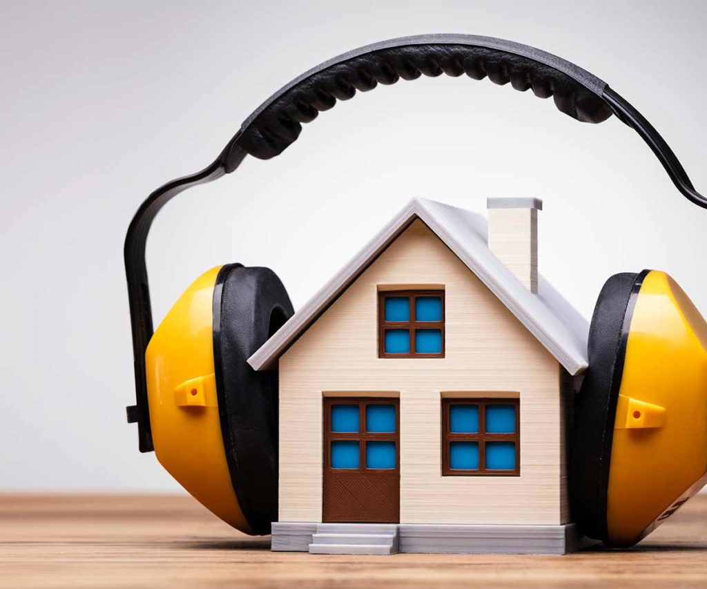 Haus mit Kopfhörern